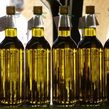 AgroPublic | olive oil bottles 696x522 1