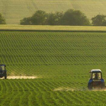AgroPublic   photo 463173671 spraving fields