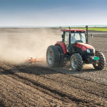 AgroPublic | Fields Tractor Work 572799 3400x1964